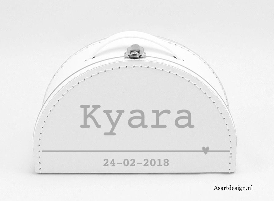 Halfrond koffertje met naam en geboortedatum