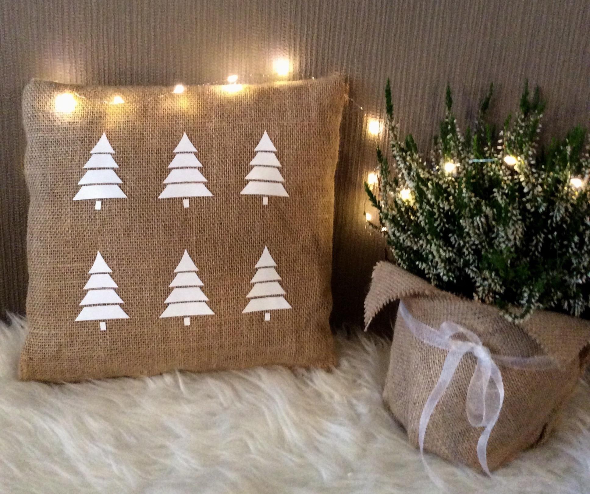 Jute kussen 'Kerstbomen'