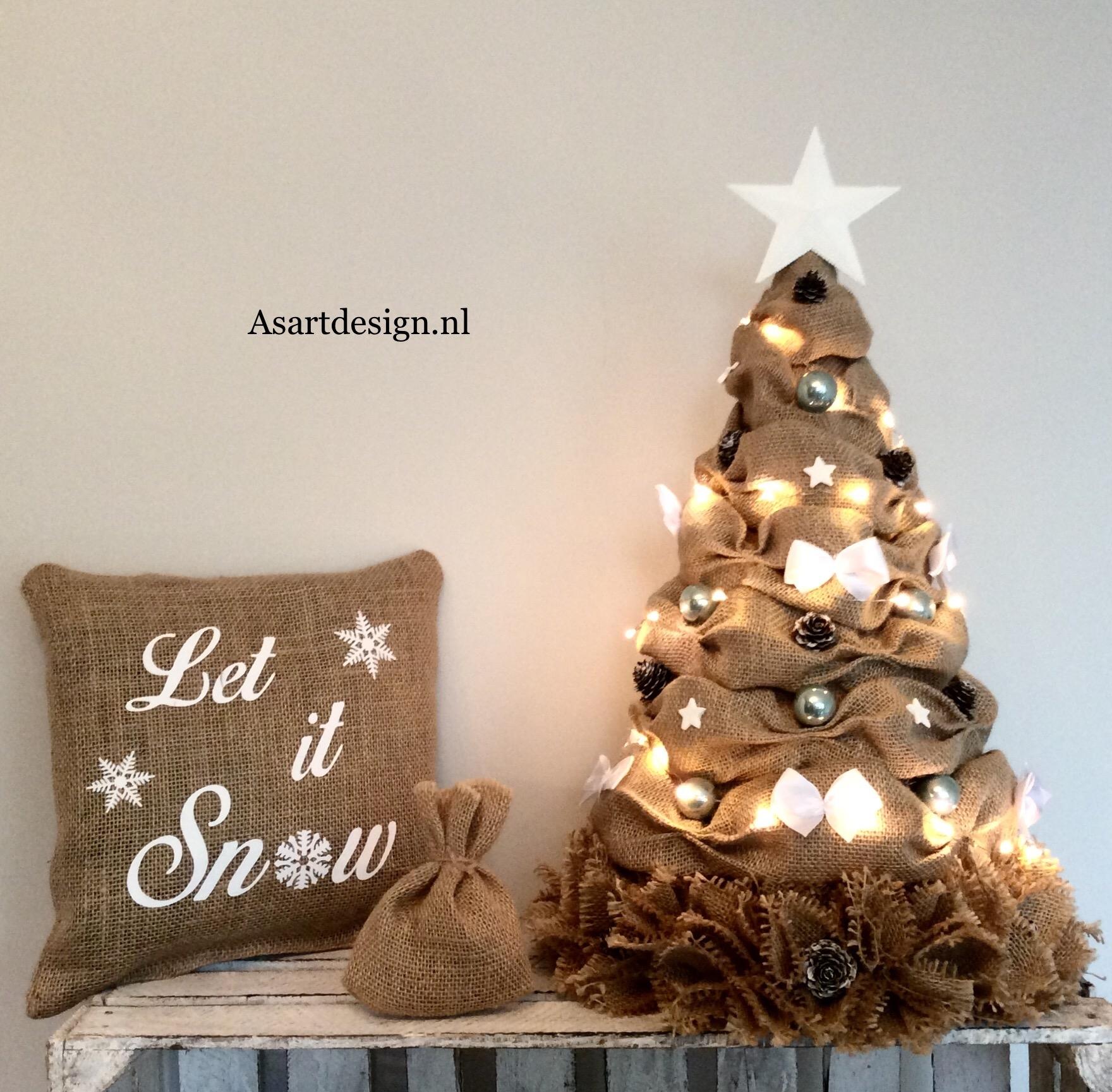 Kerstdecoratie | Jute kussen 'Let it snow'
