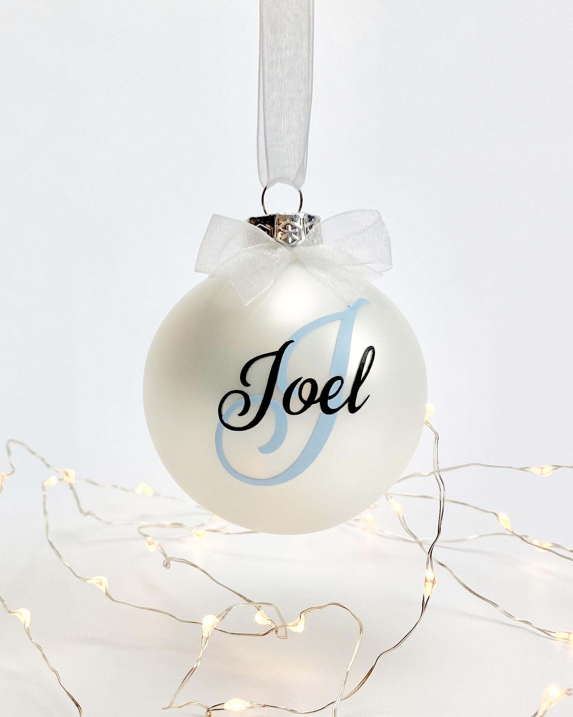 Kerstdecoratie | Kerstbal met naam (kleur naam naar keuze)