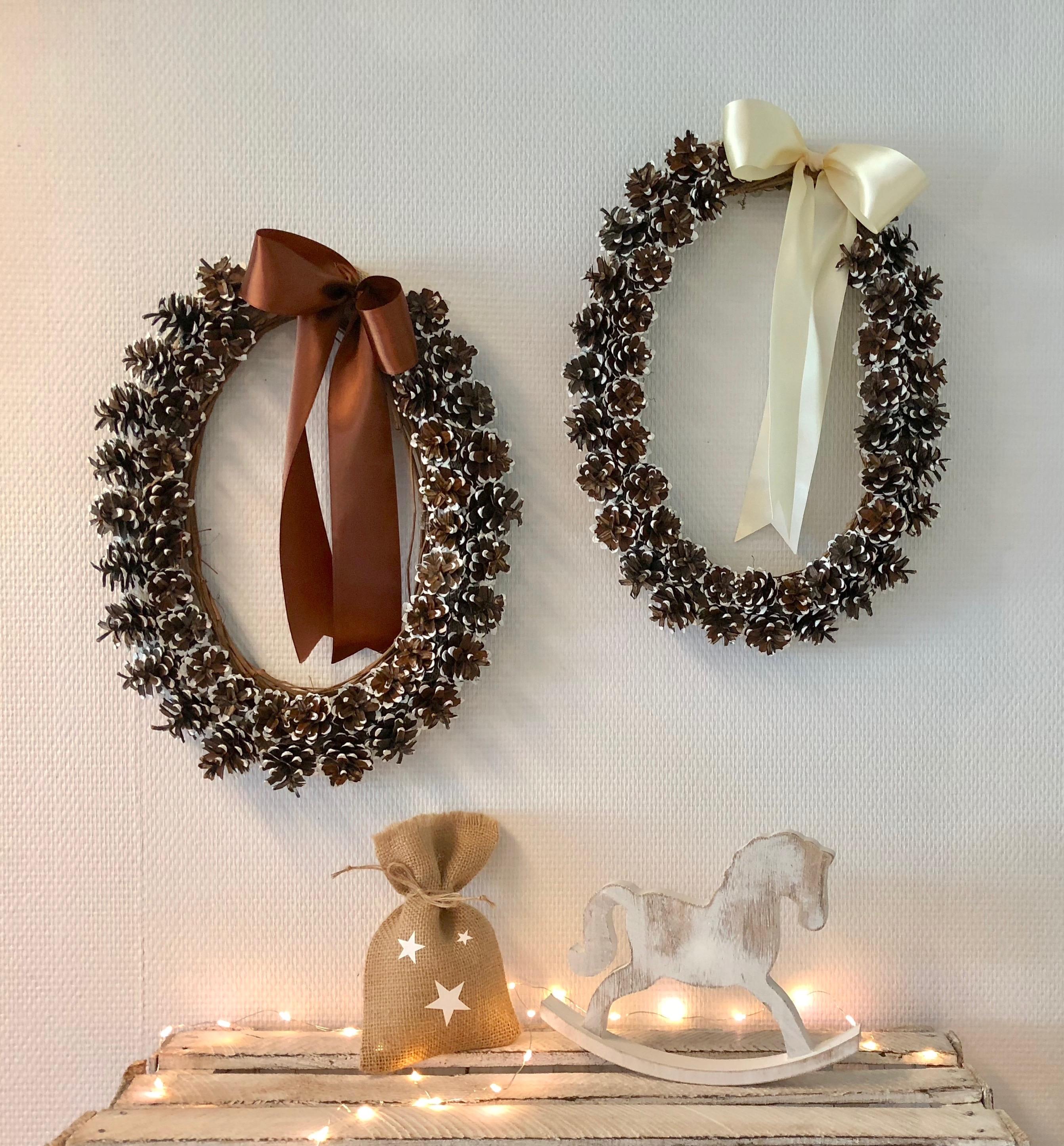 Kerstdecoratie | Krans van dennenappels