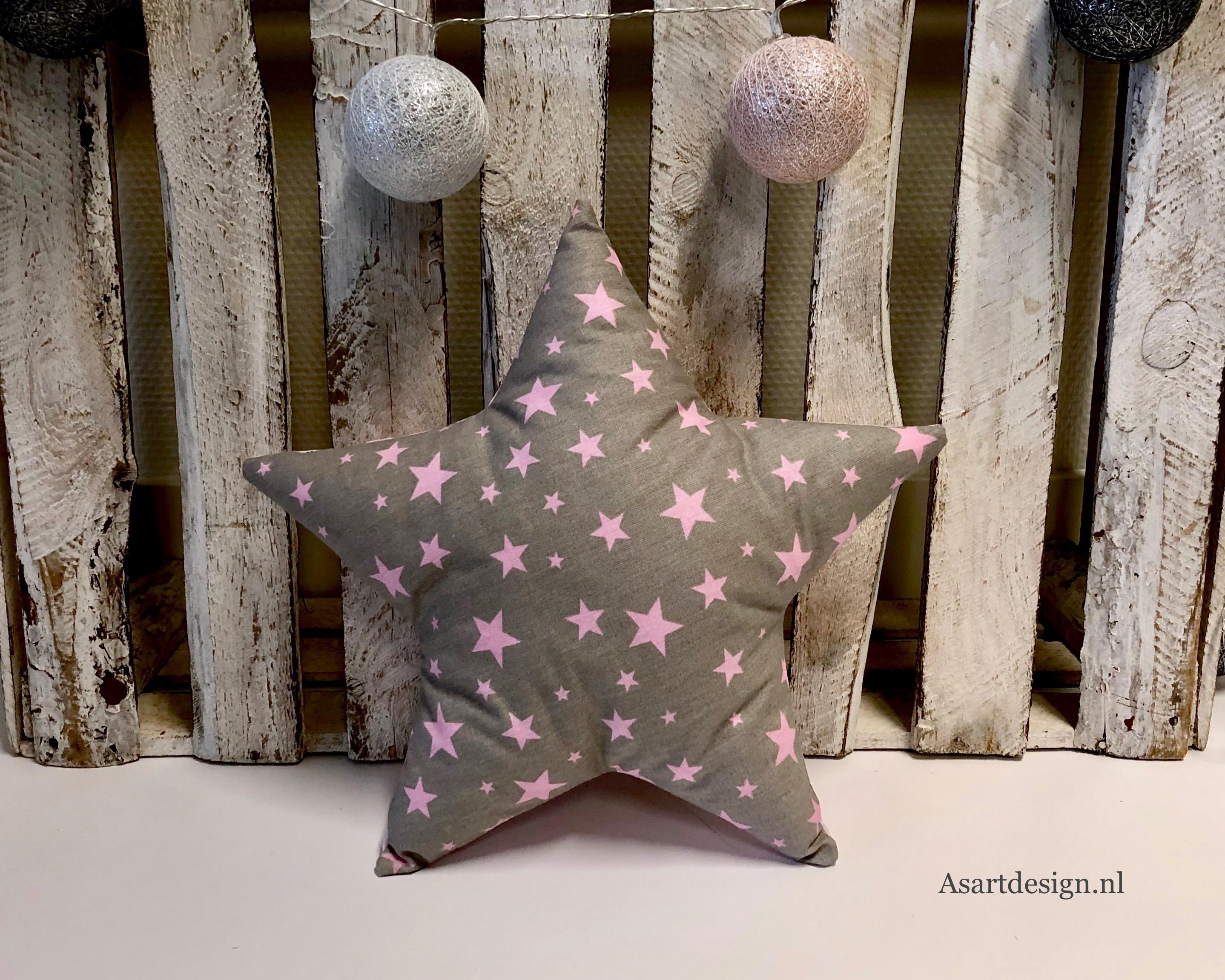 Kussen ster (grijs/roze) met naam en/of geboortedatum