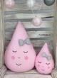 Set van 2 druppel kussens roze met witte stipjes