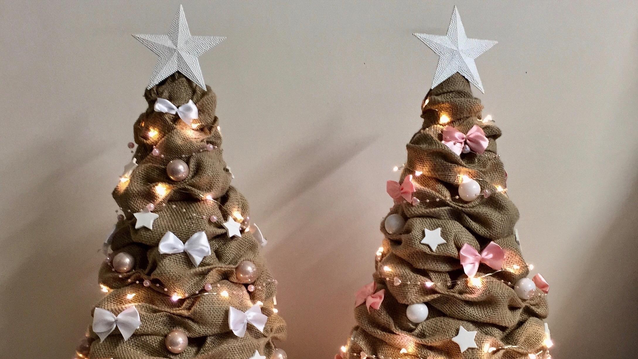 Kerstbomen van jute